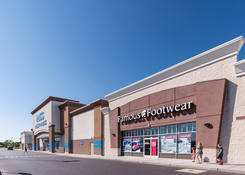 Levittown Town Center: Famous Footwear