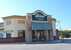 Imperial Plaza: Perkins