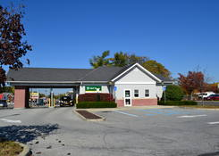 Imperial Plaza: M & T Bank