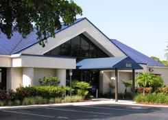 College Plaza: Bank